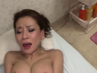 Queasy Japanese hottie gets fucked gets say no to soiled pussy fucked