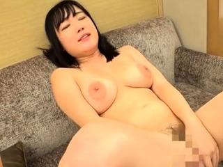 Big boobs girlfriend enjoys hardcore pussy fucking at home