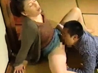 Japanese milf hottie loves kinky oral and fingering