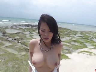 Kyouko Maki mill bushwa with both hammer away pussy together with frowardness