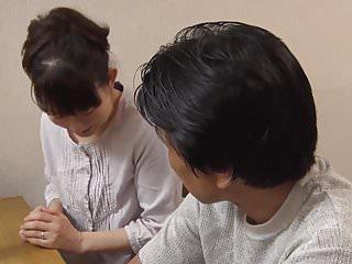 jeune beauty fille japonaise pelotee puis baisee